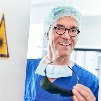 Prof. Dr. Hess - OP MEDICAL VOICE CENTER